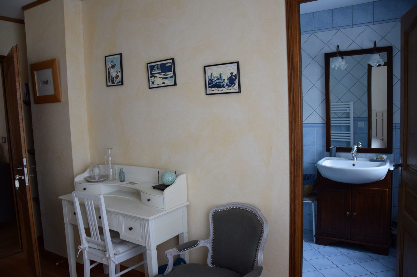 La salle de bain bleu