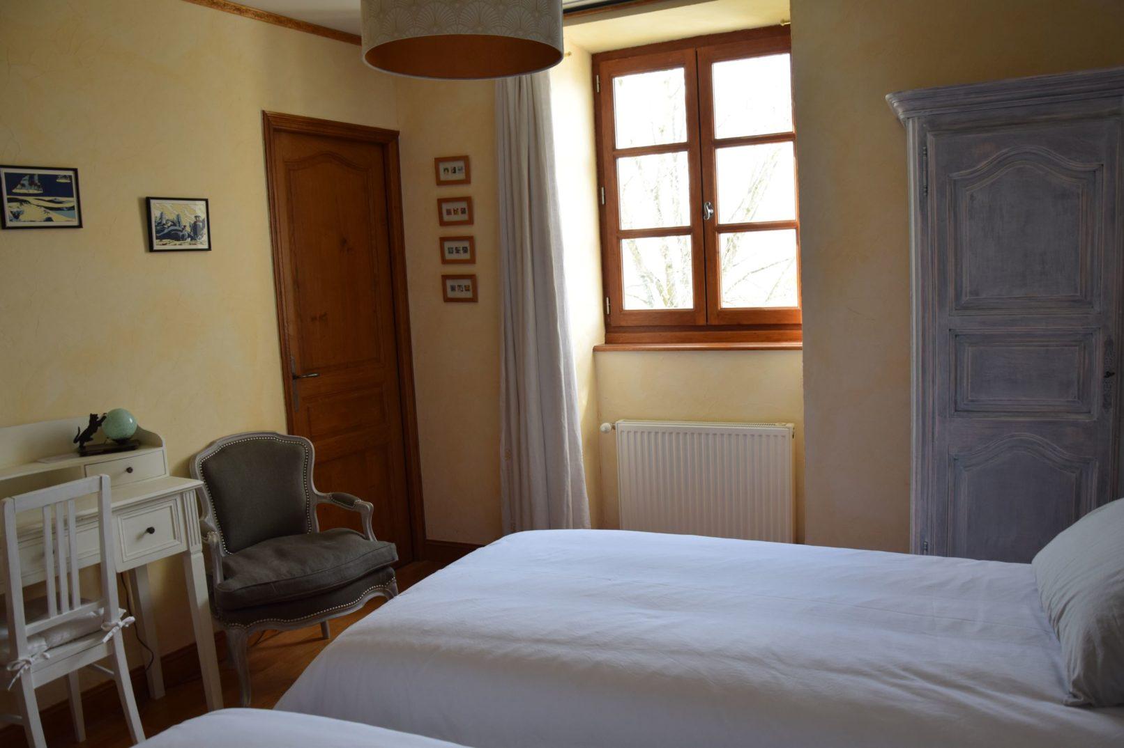 Vue chambre double coté bureau